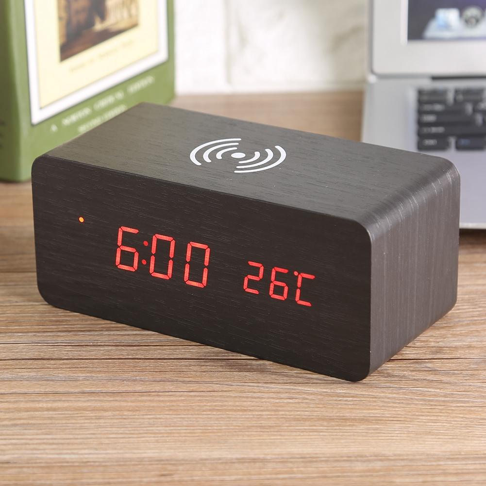 funk led digital wecker holz uhr temperatur soundsteuerung ladeger t f r telefon ebay. Black Bedroom Furniture Sets. Home Design Ideas