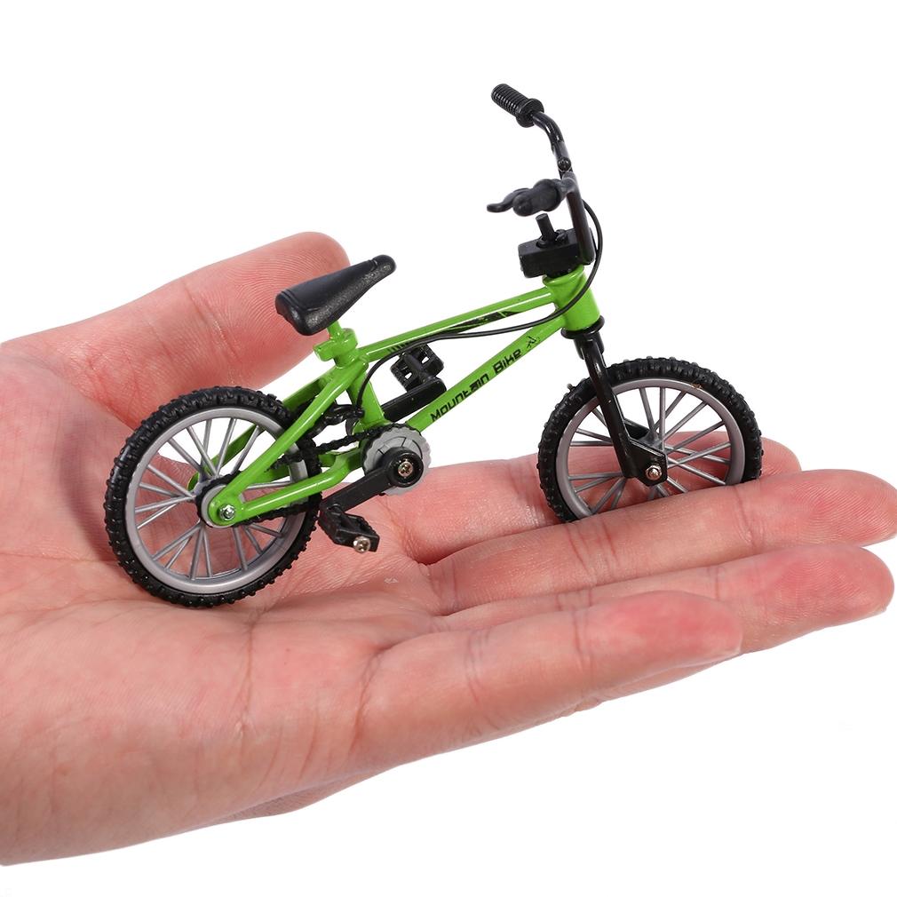 Skate-Finger-Bike-Mini-Skateboard-Die-Cast-Set-Deck-Toy-Child-Kid-Wheel-Gift-SS thumbnail 12