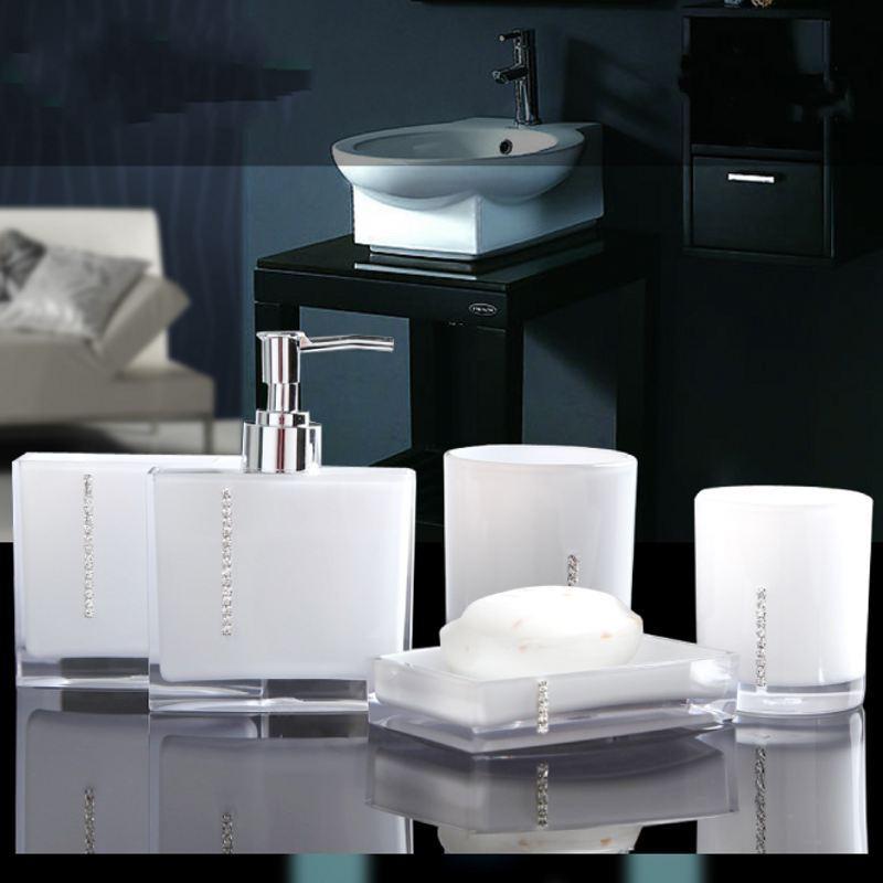 5er badset badezimmer badgarnitur seifenspender becher sortiment bad set supper ebay. Black Bedroom Furniture Sets. Home Design Ideas